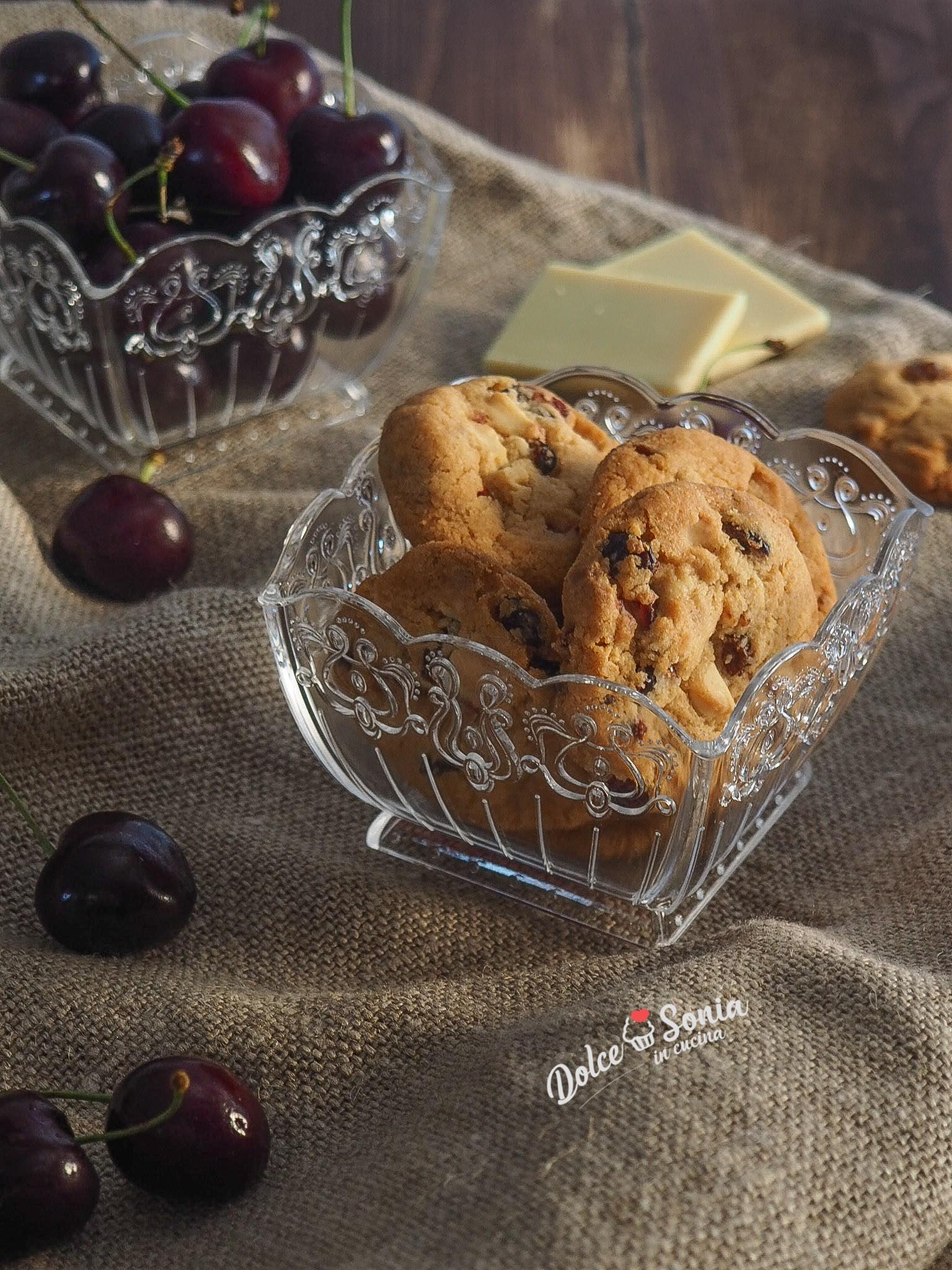 Biscotti alle ciliegie e cioccolato bianco